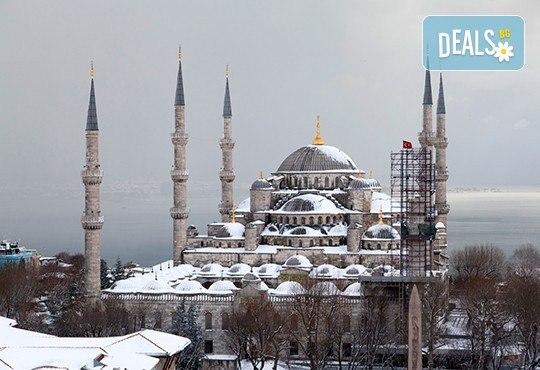 Last minute! Нова година в Истанбул с АБВ Травелс! 3 нощувки със закуски, Новогодишна вечеря по избор, транспорт, водач и пешеходна обиколка в Истанбул - Снимка 13