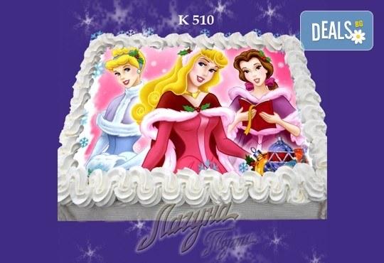 Празнична сладост! Коледна детска торта с картинка по избор и превъзходен вкус от Виенски салон Лагуна! - Снимка 2