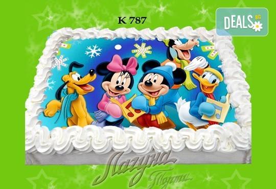 Празнична сладост! Коледна детска торта с картинка по избор и превъзходен вкус от Виенски салон Лагуна! - Снимка 11