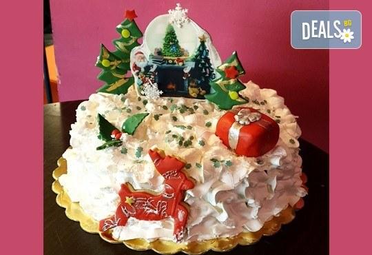 Коледна торта 3D с шоколадови блатове и баварски крем, 12 или 16 парчета, от Сладкарница Джорджо Джани! - Снимка 1