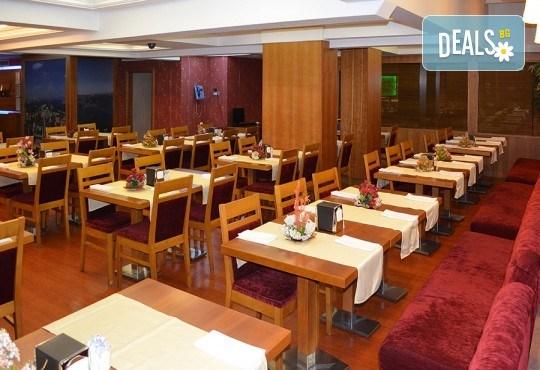 Last minute! Нова година в Истанбул на супер цена! 2 нощувки със закуски в Hotel Yüksel 3*, транспорт и посещение на мол Ераста в Одрин! - Снимка 11
