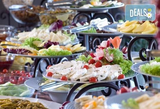Last minute! Нова година в Истанбул на супер цена! 2 нощувки със закуски в Hotel Yüksel 3*, транспорт и посещение на мол Ераста в Одрин! - Снимка 14