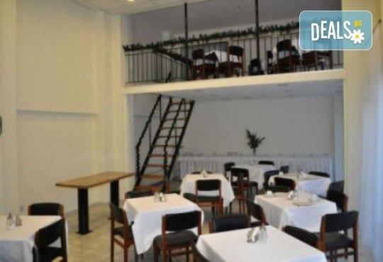 Уикенд в Кавала за Свети Валентин! 1 нощувка със закуска в Nefeli Hotel 3*, транспорт и празнична вечеря в традиционна таверна - Снимка 7