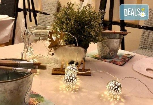 3 часа рисуване на тема Танц на лунна светлина на 17.01. с напътствията на професионален художник + чаша вино и минерална вода в Арт ателие Багри и вино! - Снимка 6