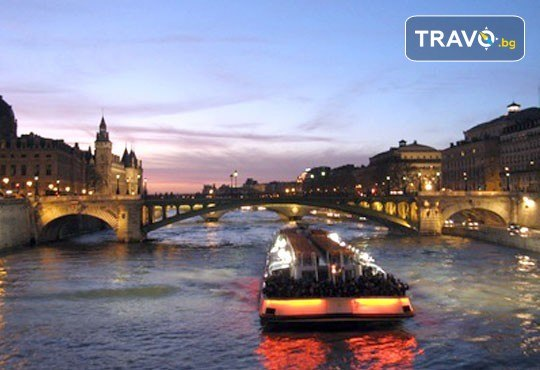 Подарете си за 8 март самолетна екскурзия до Париж, полет от Варна! 3 нощувки със закуски в хотел 3*, билет, трансфер и летищни такси, от Дари Травел! - Снимка 7