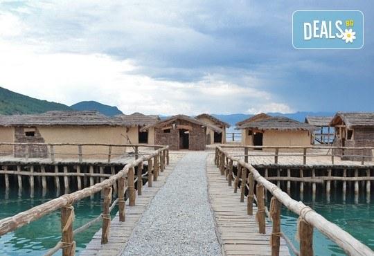 Почивка край брега на Охридското езеро през лятото! 5 нощувки със закуски и вечери във вила Ловец, транспорт и посещение на Скопие - Снимка 2