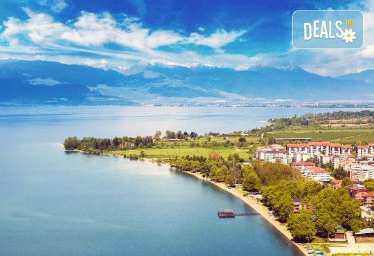 Почивка край брега на Охридското езеро през лятото! 5 нощувки със закуски и вечери във вила Ловец, транспорт и посещение на Скопие - Снимка 1
