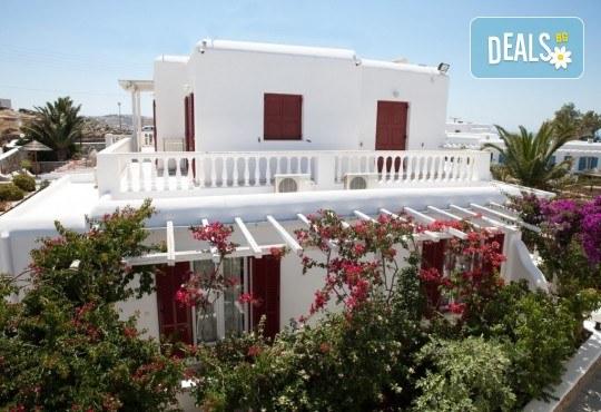 Почивка на остров Миконос - перлата на Цикладите! 4 нощувки със закуски, самолетен билет, салонен багаж и трансфер - Снимка 13