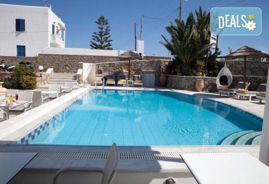 Почивка на остров Миконос - перлата на Цикладите! 4 нощувки със закуски, самолетен билет, салонен багаж и трансфер - Снимка 9