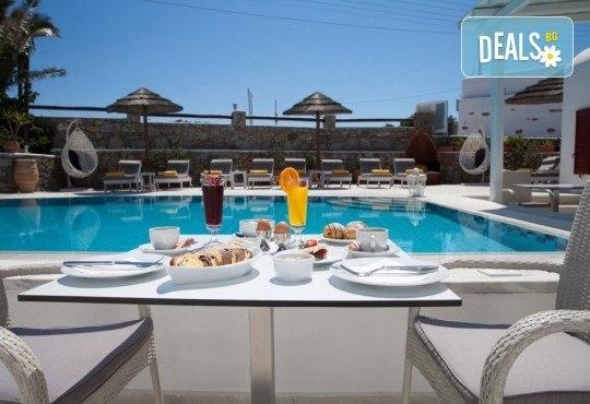 Почивка на остров Миконос - перлата на Цикладите! 4 нощувки със закуски, самолетен билет, салонен багаж и трансфер - Снимка 10