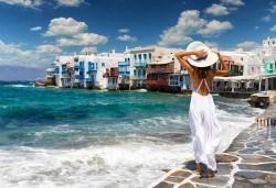 Почивка на остров Миконос - перлата на Цикладите! 4 нощувки със закуски, самолетен билет, салонен багаж и трансфер - Снимка