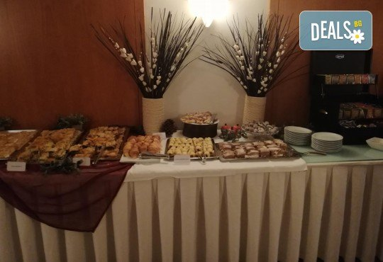 Уикенд в Кавала със Запрянов Травел! 1 нощувка със закуска в Hotel Esperia 3*, транспорт и посещение на Амолофи - Снимка 8