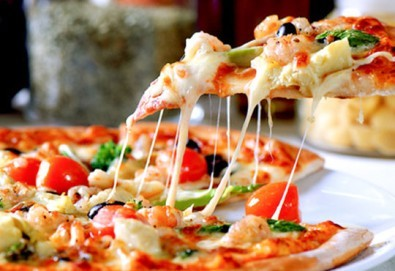 Опитайте най-вкусната пица в София! Заповядайте в ресторант La Felicità и вземете изкусителна италианска пица с кашкавал по Ваш избор! - Снимка