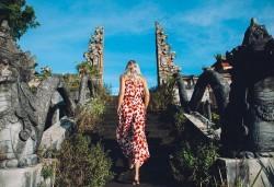 Ранни записвания на топ цена! Почивка на остров Бали със 7 нощувки и закуски, самолетен билет и летищни такси, трансфери + бонус: 90-минутен масаж - Снимка
