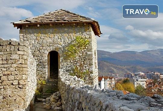 Еднодневна екскурзия до фестивала на пегланата колбасица в Пирот! Транспорт, екскурзовод и панорамна обиколка на Ниш - Снимка 3
