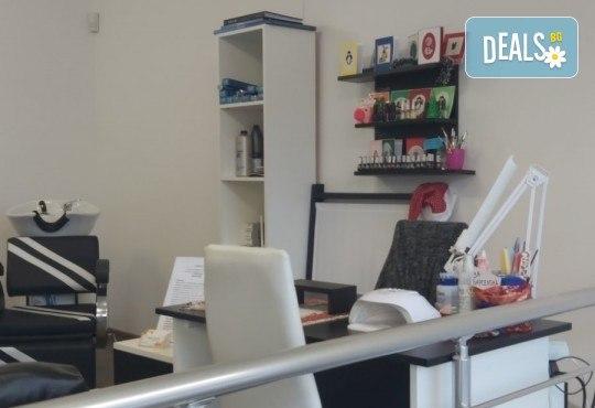 Терапия за коса, оформяне със сешоар и стилизиране на прическа в салон за красота Bibi Fashion! - Снимка 9