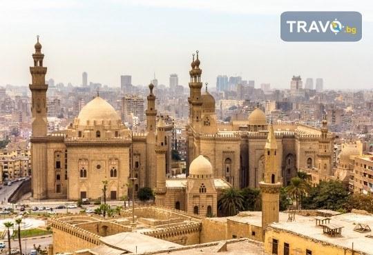 Екзотика и лукс в Египет! 6 нощувки със закуски и вечери в Хургада, 1 нощувка със закуска и вечеря в Кайро, обяд на кораб, самолетен билет и летищни такси - Снимка 3