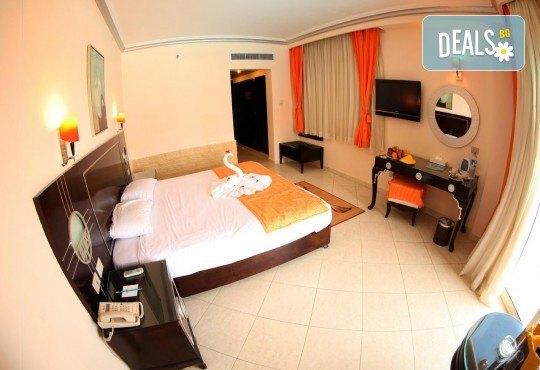 Почивка в Египет! 7 нощувки All Inclusive в Sphinx Aqua Park Beach Resort 4*, Хургада, самолетен билет с директен чартърен полет и трансфери - Снимка 3