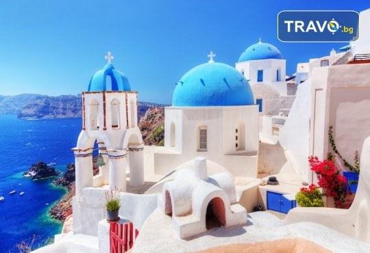 Лятна почивка на о. Санторини! 6 нощувки със закуски, транспорт, фериботни билети и посещение на Атина - Снимка 2
