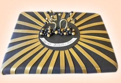 С доставка през април, май и юни! Изкушаващо вкусна бутикова АРТ торта с цифри и размер по избор от Сладкарница Джорджо Джани - Снимка