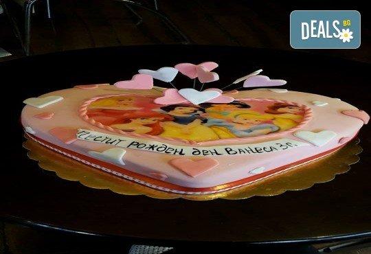 С доставка през април, май и юни! За момичета: красиви 3D торти за момичета с принцеси и приказни феи + ръчно моделирана декорация от Сладкарница Джорджо Джани - Снимка 88