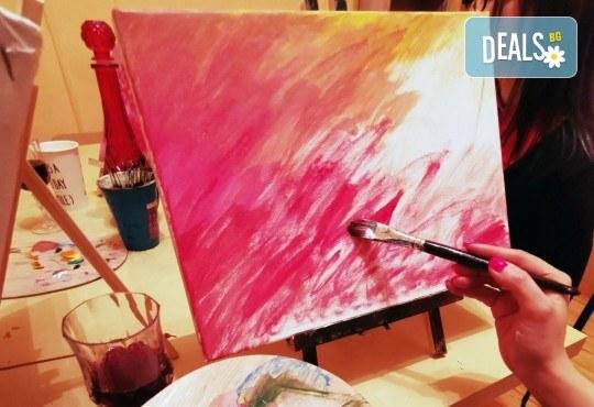 Настроение и изкуство! 3 часа арт занимания по избор и чаша вино в Арт школа Слънчеви приказки - Снимка 1