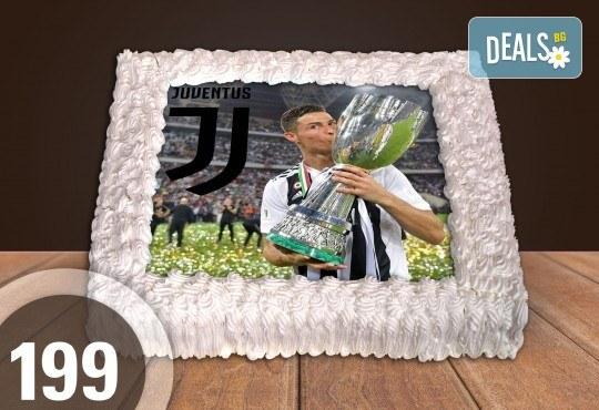 С доставка през март и април! За феновете на спорта: торта със снимка за почитателите на футбола или други спортове от Сладкарница Джорджо Джани - Снимка 1