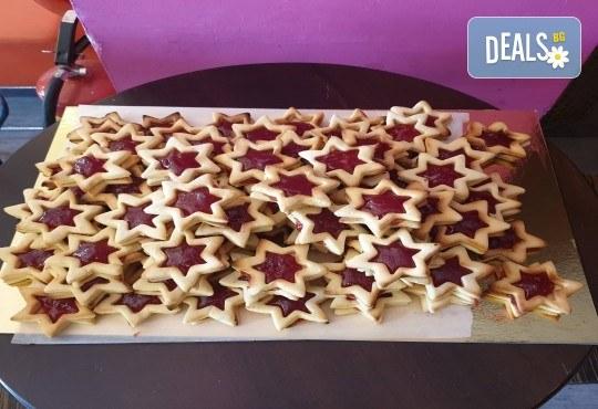 За празниците в офиса! 1 кг. домашни гръцки сладки: седем различни вкуса сладки с шоколад, макадамия и кокос, майсторска изработка от Сладкарница Джорджо Джани - Снимка 5