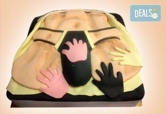 С доставка през април, май и юни! Еротична торта за моминско или ергенско парти или за специален празник на любим човек от Сладкарница Джорджо Джани - Снимка 6