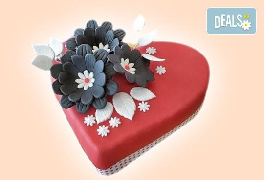 С доставка през март и април! АМОРЕ: подарете Торта Сърце по дизайн на Сладкарница Джорджо Джани - Снимка 4