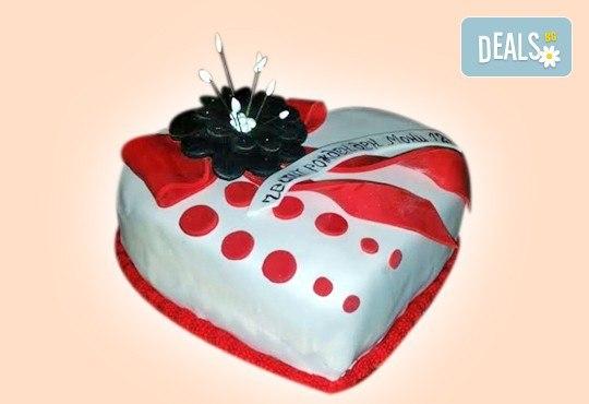 С доставка през април, май и юни! АМОРЕ: подарете Торта Сърце по дизайн на Сладкарница Джорджо Джани - Снимка 6