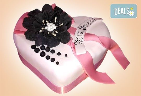 С доставка през април, май и юни! АМОРЕ: подарете Торта Сърце по дизайн на Сладкарница Джорджо Джани - Снимка 4