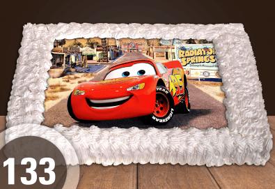 Експресна торта от днес за днес! Голяма детска торта 20, 25 или 30 парчета със снимка на любим герой от Сладкарница Джорджо Джани! - Снимка