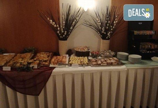 Уикенд в Кавала за 8 март/ 21 март, със Запрянов Травел! 1 нощувка със закуска в Hotel Esperia 3*, транспорт и водач - Снимка 8
