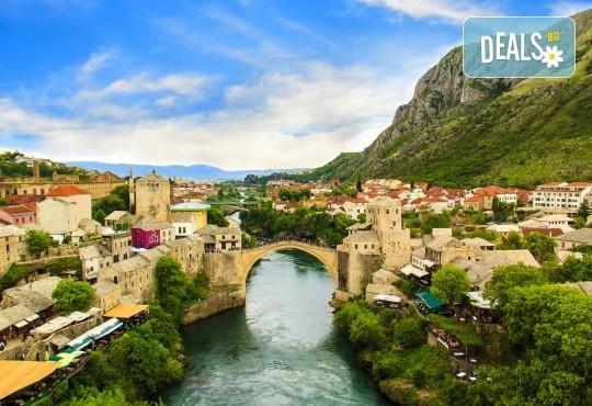 Адриатическа приказка през пролетта! 4 нощувки със закуски в хотел 3*, транспорт, посещение на Будва, Дубровник, Сараево, Мостар и още - Снимка 8