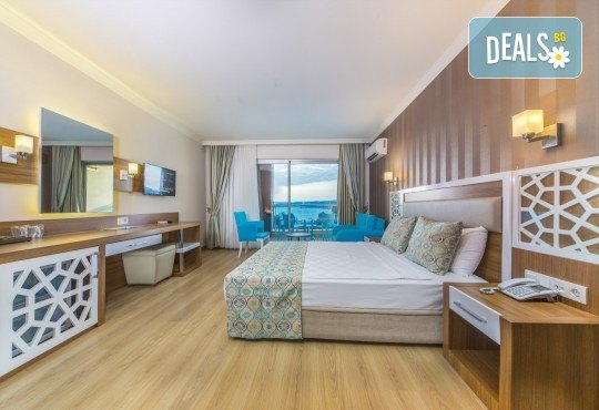Почивка през май в Алания, Турция, на супер цена! 7 нощувки на база Ultra All Inclusive в Lonicera Resort 5*, възможност за транспорт - Снимка 6