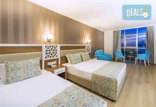 Почивка през май в Алания, Турция, на супер цена! 7 нощувки на база Ultra All Inclusive в Lonicera Resort 5*, възможност за транспорт - Снимка 5