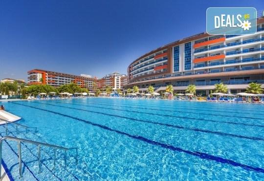 Почивка през май в Алания, Турция, на супер цена! 7 нощувки на база Ultra All Inclusive в Lonicera Resort 5*, възможност за транспорт - Снимка 13