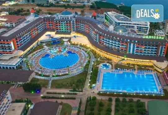 Почивка през май в Алания, Турция, на супер цена! 7 нощувки на база Ultra All Inclusive в Lonicera Resort 5*, възможност за транспорт - Снимка 4