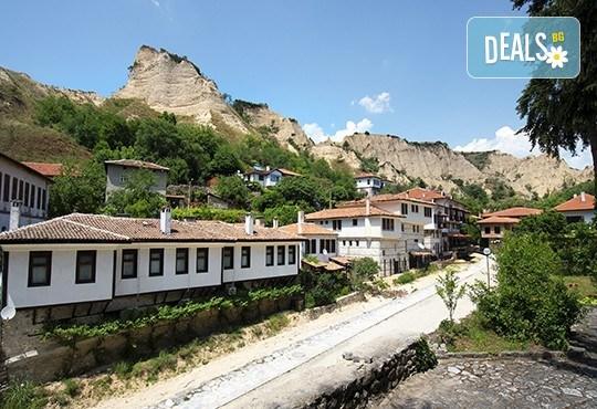 За Трифон Зарезан в Мелник! Транспорт, водач, посещение на Роженския манастир, Рупите и дегустация на вино в Кордупуловата къща - Снимка 2