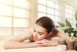 70-минутен ароматерапевтичен масаж на цяло тяло с етерични масла, масаж на скалп и рефлексотерапия на стъпала в Женско Царство - Снимка