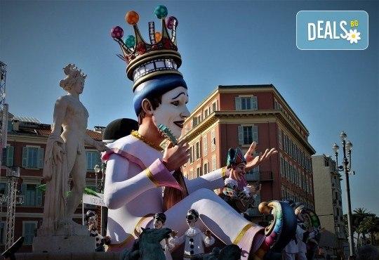 Самолетна екскурзия до Френската ривиера по времето на карнавалите в Ница и Ментон! 4 нощувки с 3 закуски, самолетен билет и летищни такси - Снимка 2