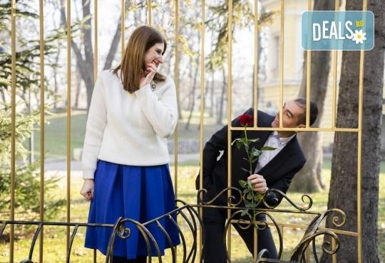 За Свети Валентин! Портретна фотосесия за двама на открито или в студио с 25 обработени кадъра от Фото Студио Амели - Снимка 4