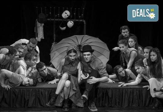 Гледайте класиката Ромео и Жулиета от Уилям Шекспир в МГТ Зад канала на 17.02. от 19ч., 1 билет - Снимка 6
