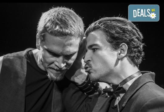 Гледайте класиката Ромео и Жулиета от Уилям Шекспир в МГТ Зад канала на 17.02. от 19ч., 1 билет - Снимка 4