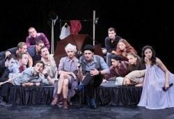 Гледайте класиката Ромео и Жулиета от Уилям Шекспир в МГТ Зад канала на 17.02. от 19ч., 1 билет - Снимка