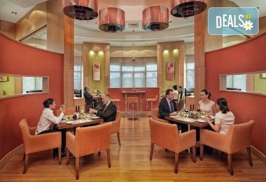 Супер цена за Фестивал на лалето през пролетта в Истанбул! 2 нощувки със закуски в Courtyard By Marriott Istanbul International Airport 4*, транспорт, ползване на басейн и сауна - Снимка 11