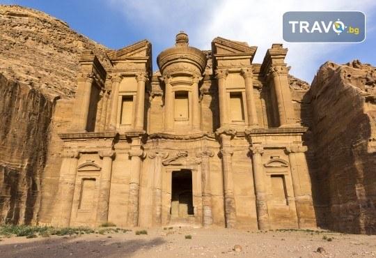 Екскурзия до Йордания през март! 4 нощувки със закуски и вечери в хотел 3*/4*, самолетен билет и трансфери, посещение на Петра и джип сафари в пустинята Вади Рум - Снимка 1