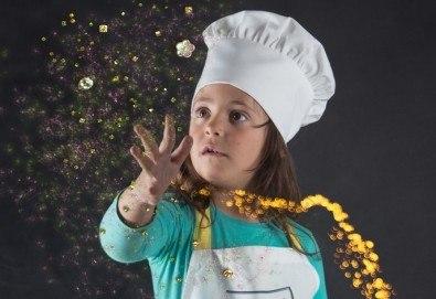 Едночасова фотосесия по избор - детска, семейна или индивидуална, външна или в студио, обработка на всички кадри от Arsov Image! - Снимка