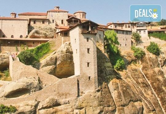 Великден в Паралия Катерини! 2 нощувки със закуски в хотел 2*/3*, транспорт, обиколка на Солун и посещение на Мелник - Снимка 9
